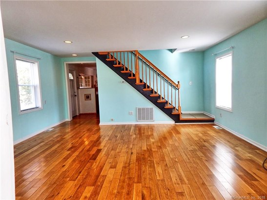 53 Andrews Avenue, Milford, CT - USA (photo 3)