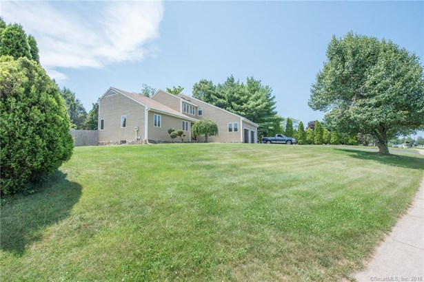 22 Sandy Drive, Rocky Hill, CT - USA (photo 3)