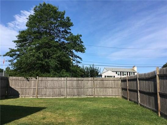 2 Cedar Av, Middletown, RI - USA (photo 2)