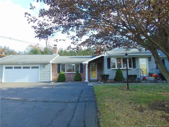 4 Maplewood Lane, North Branford, CT - USA (photo 2)