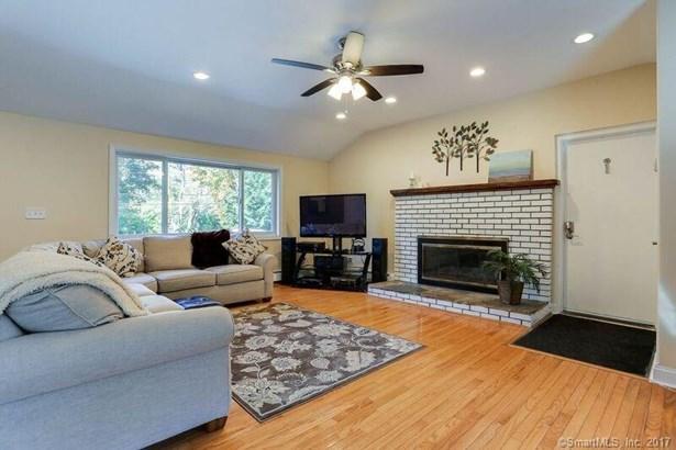 4 Maplewood Lane, North Branford, CT - USA (photo 4)