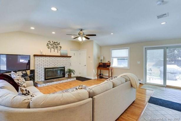 4 Maplewood Lane, North Branford, CT - USA (photo 5)