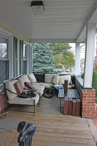 250 Mount Pleasant Avenue, Mamaroneck, NY - USA (photo 3)