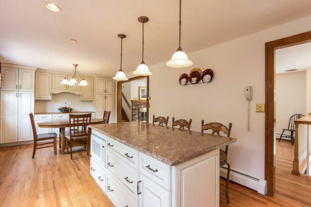 658 Forest Road, North Branford, CT - USA (photo 5)