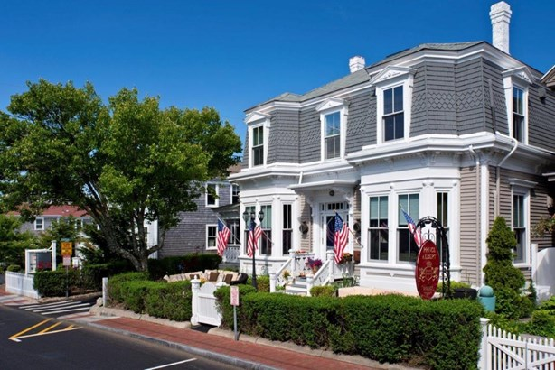 164 Commercial Street, Provincetown, MA - USA (photo 1)