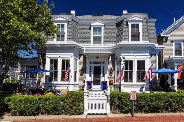 164 Commercial Street, Provincetown, MA - USA (photo 2)