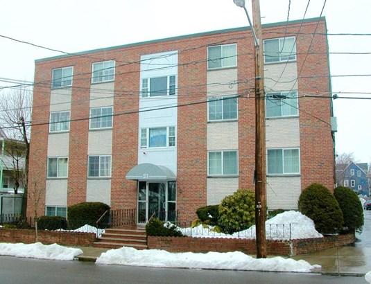 21 Staples Avenue 31, Everett, MA - USA (photo 1)