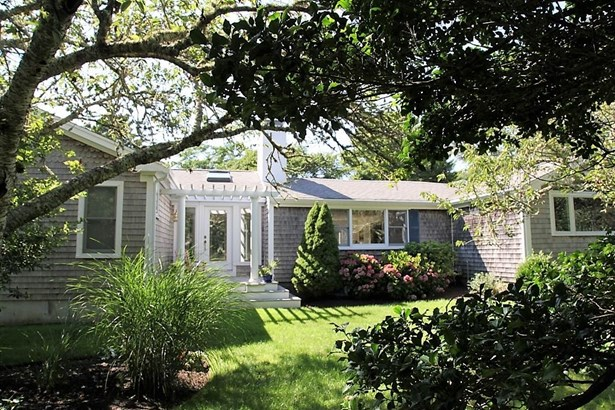 140 Uncle Venies Road, Harwich, MA - USA (photo 1)