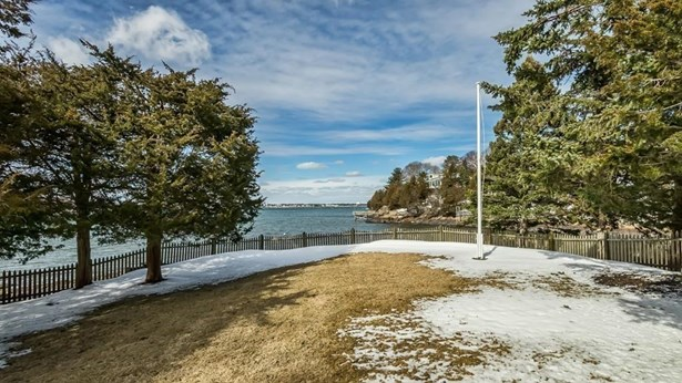 16 Indianhead Circle, Marblehead, MA - USA (photo 4)