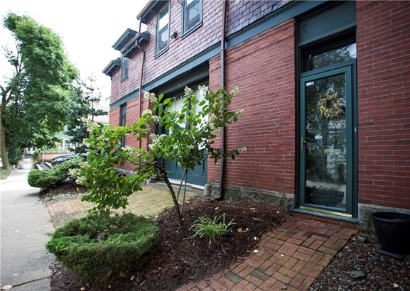 10 Slocum St, Unit#4, Providence, RI - USA (photo 2)