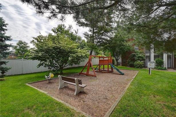 31 High Street 11206, East Hartford, CT - USA (photo 3)