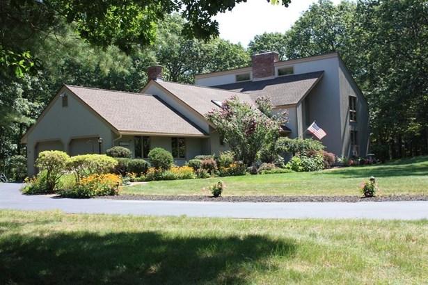 26 Woodstone Road, Northborough, MA - USA (photo 2)
