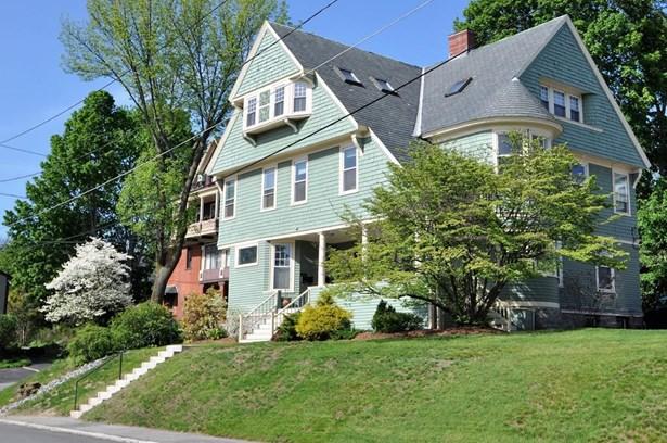 4 Hanks Street 1, Lowell, MA - USA (photo 2)