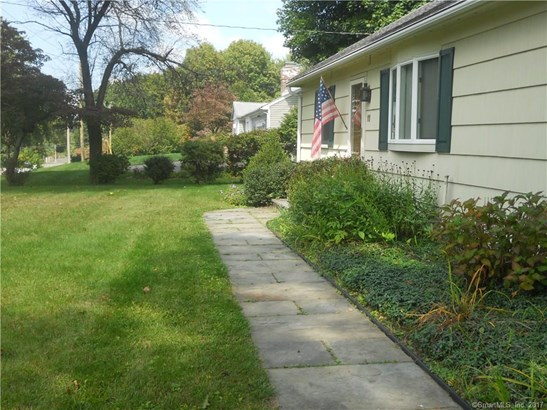 11 Sand Hill Road, Bethel, CT - USA (photo 2)