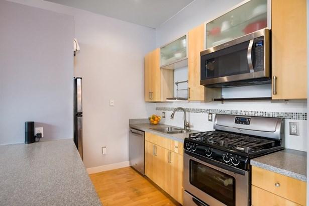 60 Dudley St 112, Chelsea, MA - USA (photo 4)