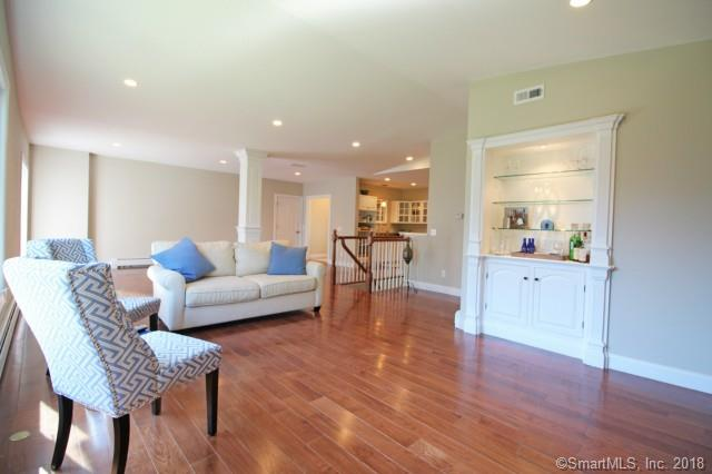 7 Lakeview Road, Brookfield, CT - USA (photo 2)