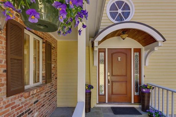 264 Grove St, Wellesley, MA - USA (photo 2)
