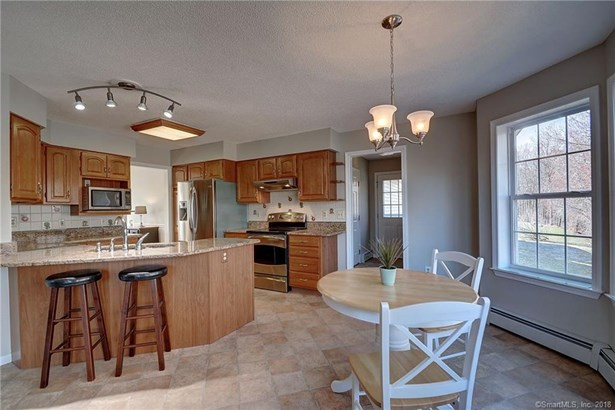48 Amherst Drive, Manchester, CT - USA (photo 2)