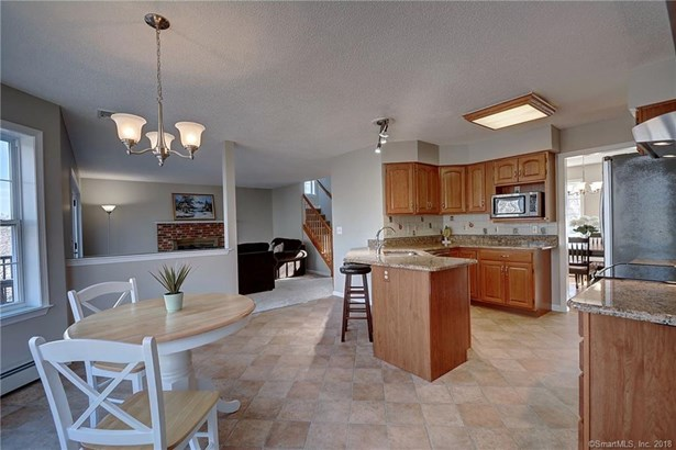 48 Amherst Drive, Manchester, CT - USA (photo 4)
