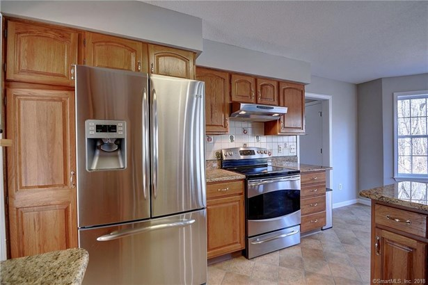 48 Amherst Drive, Manchester, CT - USA (photo 5)