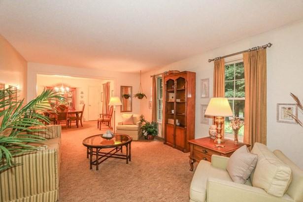 561 Frank Smith Rd, Longmeadow, MA - USA (photo 4)