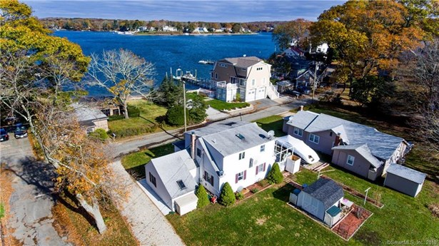 17 Bishops Bay Road, East Lyme, CT - USA (photo 1)