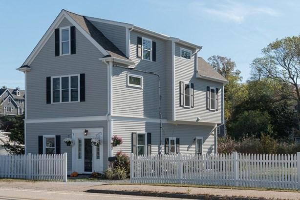 329 Rockland St, Hingham, MA - USA (photo 1)