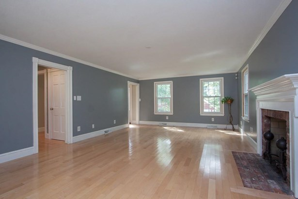 94 Lawrence Dr, Longmeadow, MA - USA (photo 5)