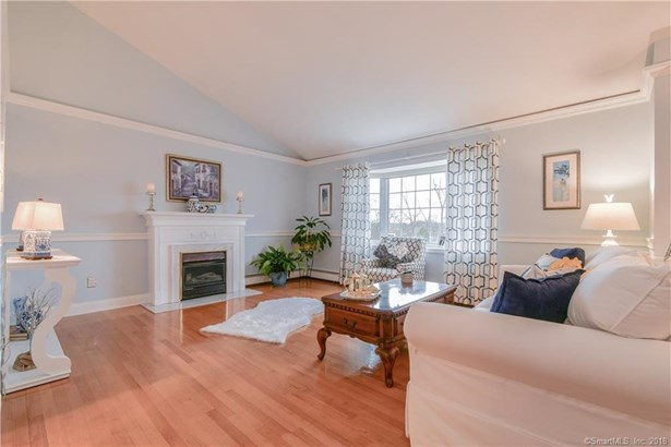 5 Dale Place, East Haven, CT - USA (photo 4)