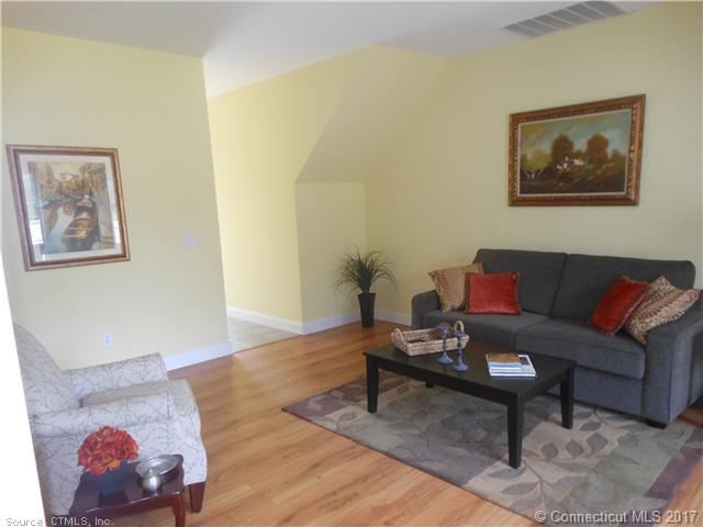 305 Folly Brook Boulevard Unit #9, Wethersfield, CT - USA (photo 3)