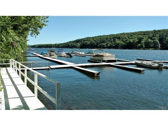 28 Candlewood Shore, New Milford, CT - USA (photo 1)