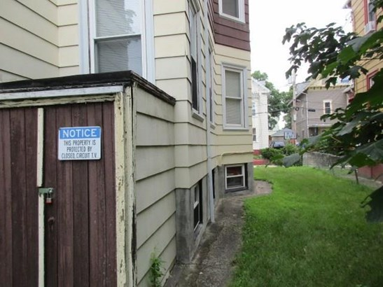 47 Vineyard St, Providence, RI - USA (photo 3)