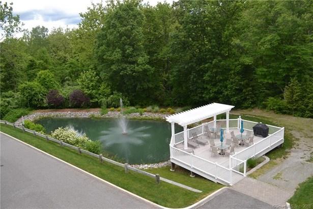 221 Still Water Circle 221, Brookfield, CT - USA (photo 3)