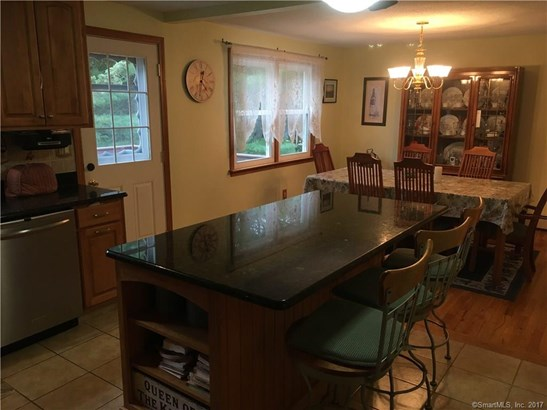 38 Sunnyside Drive, North Branford, CT - USA (photo 5)