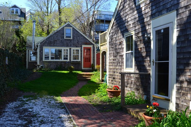 420 Commercial Street, Provincetown, MA - USA (photo 4)
