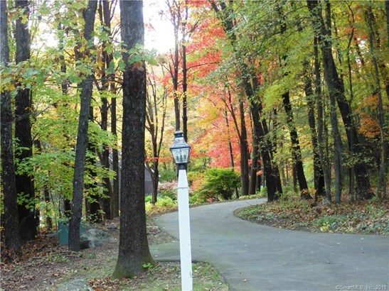 38 Fawn Hill Drive, Burlington, CT - USA (photo 2)