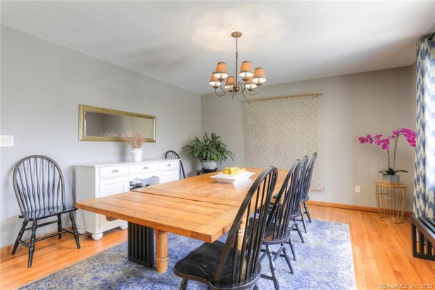 27 Coventry Lane, Trumbull, CT - USA (photo 4)