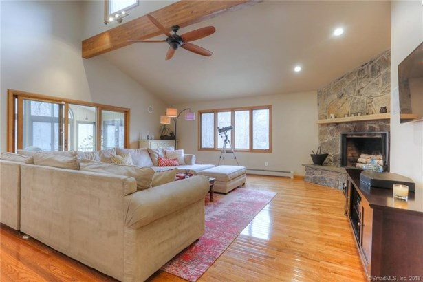 27 Coventry Lane, Trumbull, CT - USA (photo 5)