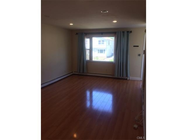 329 Saunders Avenue, Bridgeport, CT - USA (photo 1)