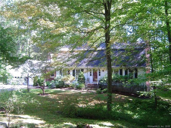 51 Ledgewood Drive, North Branford, CT - USA (photo 2)