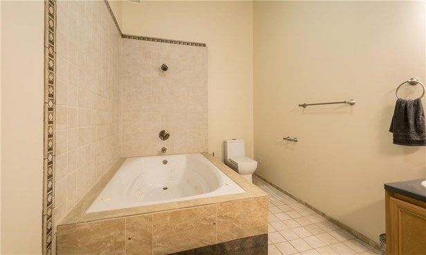 1117 Douglas Av, Unit#206, North Providence, RI - USA (photo 4)