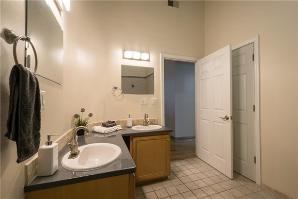 1117 Douglas Av, Unit#206, North Providence, RI - USA (photo 5)