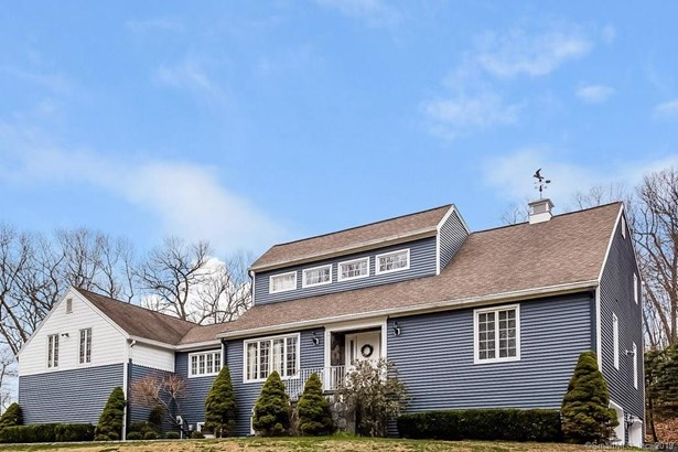 28 Castle Meadow Road, Newtown, CT - USA (photo 1)