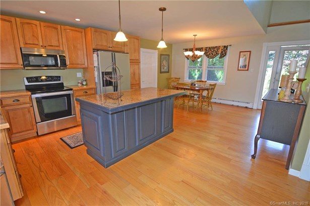 1266 Barnes Road, Wallingford, CT - USA (photo 4)
