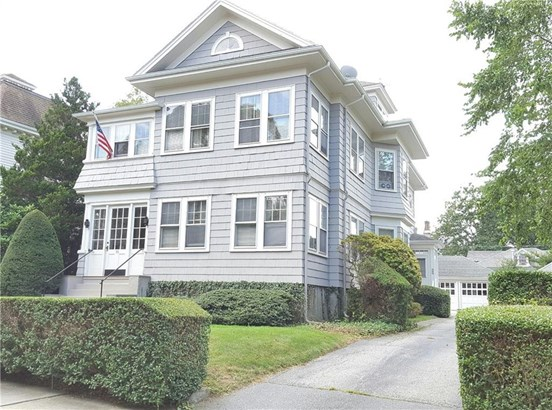 75 Ayrault St, Newport, RI - USA (photo 1)