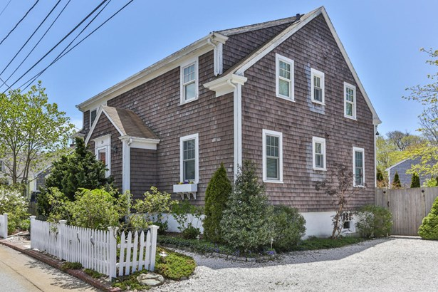 24 Winthrop Street, Provincetown, MA - USA (photo 2)