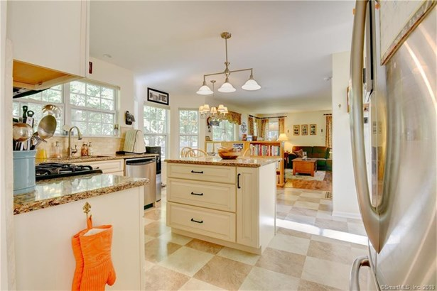 189 Lookout Hill Road, Milford, CT - USA (photo 3)