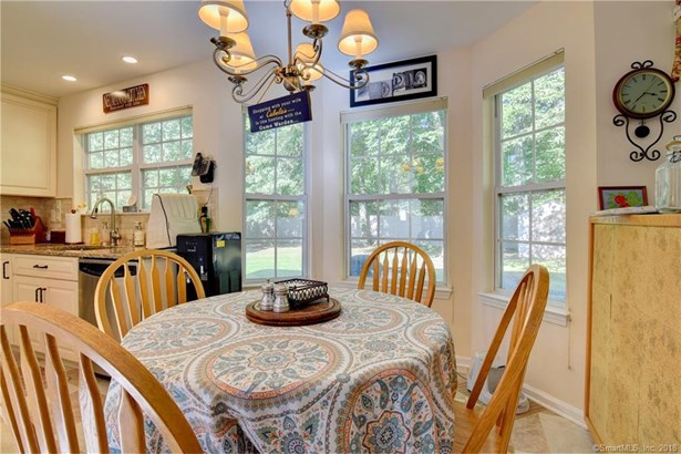 189 Lookout Hill Road, Milford, CT - USA (photo 5)