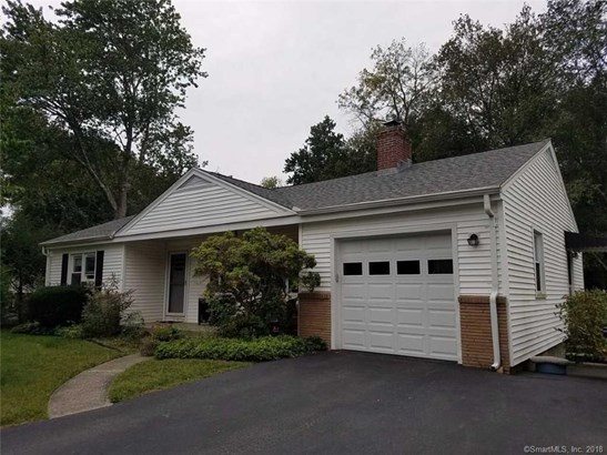 27 Grassland Road, Milford, CT - USA (photo 1)