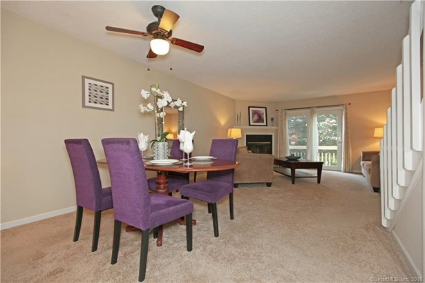 405 Mill Pond Drive 405, South Windsor, CT - USA (photo 2)